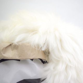 IJslandse schapenvacht van Sheepy in zak closeup
