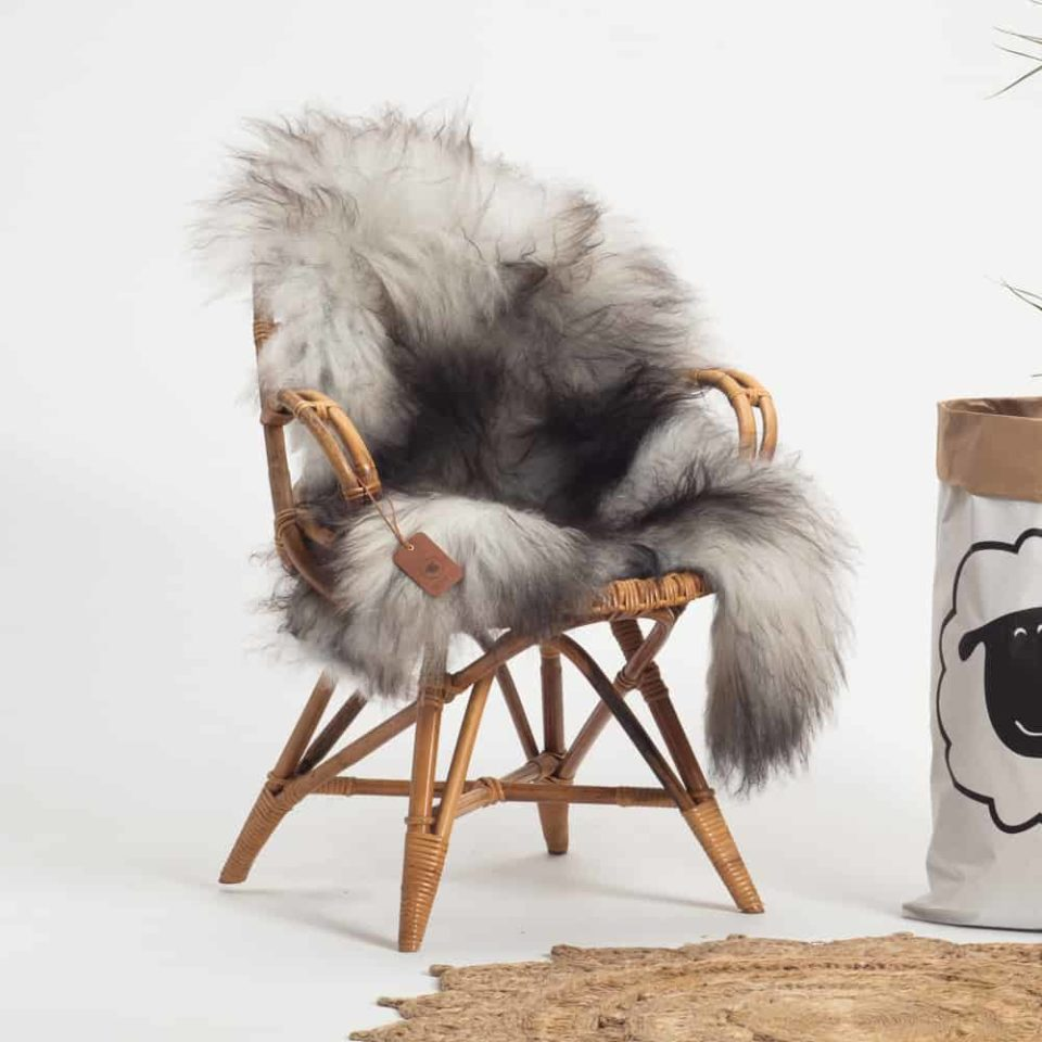 Schapenvacht Grijs IJslands R60 maat XL.stoel