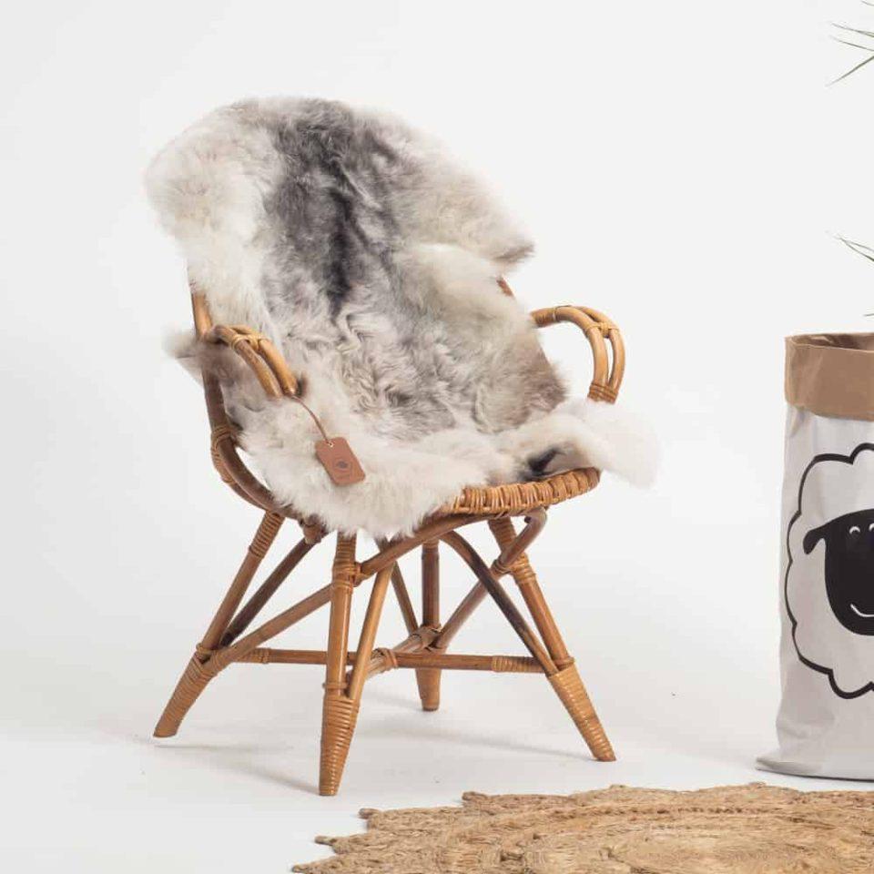 Schapenvacht grijs IJslands R67 stoel