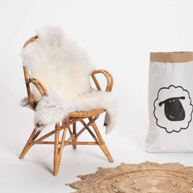 Schapenvacht beige stoel 18