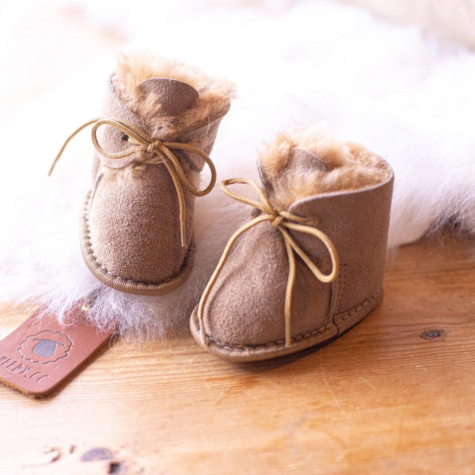 Babyslofjes Puk schapenwol (1)