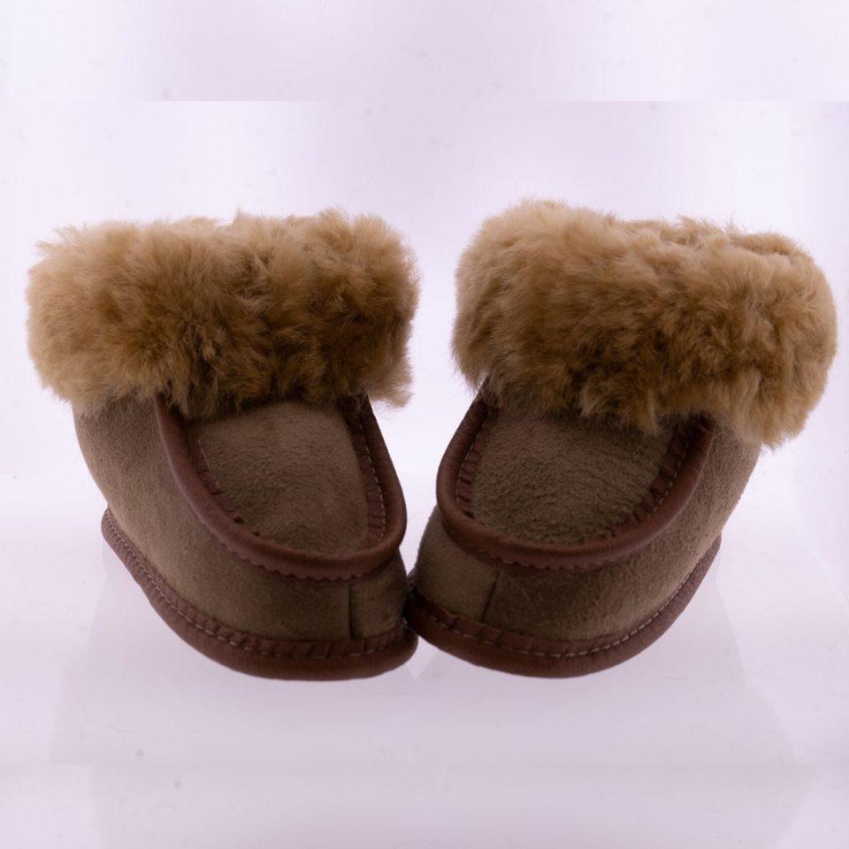 Babyslofjes wol taupe Pip Sheepycc 1