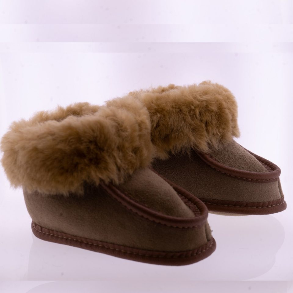 Babyslofjes wol taupe Pip Sheepycc 2